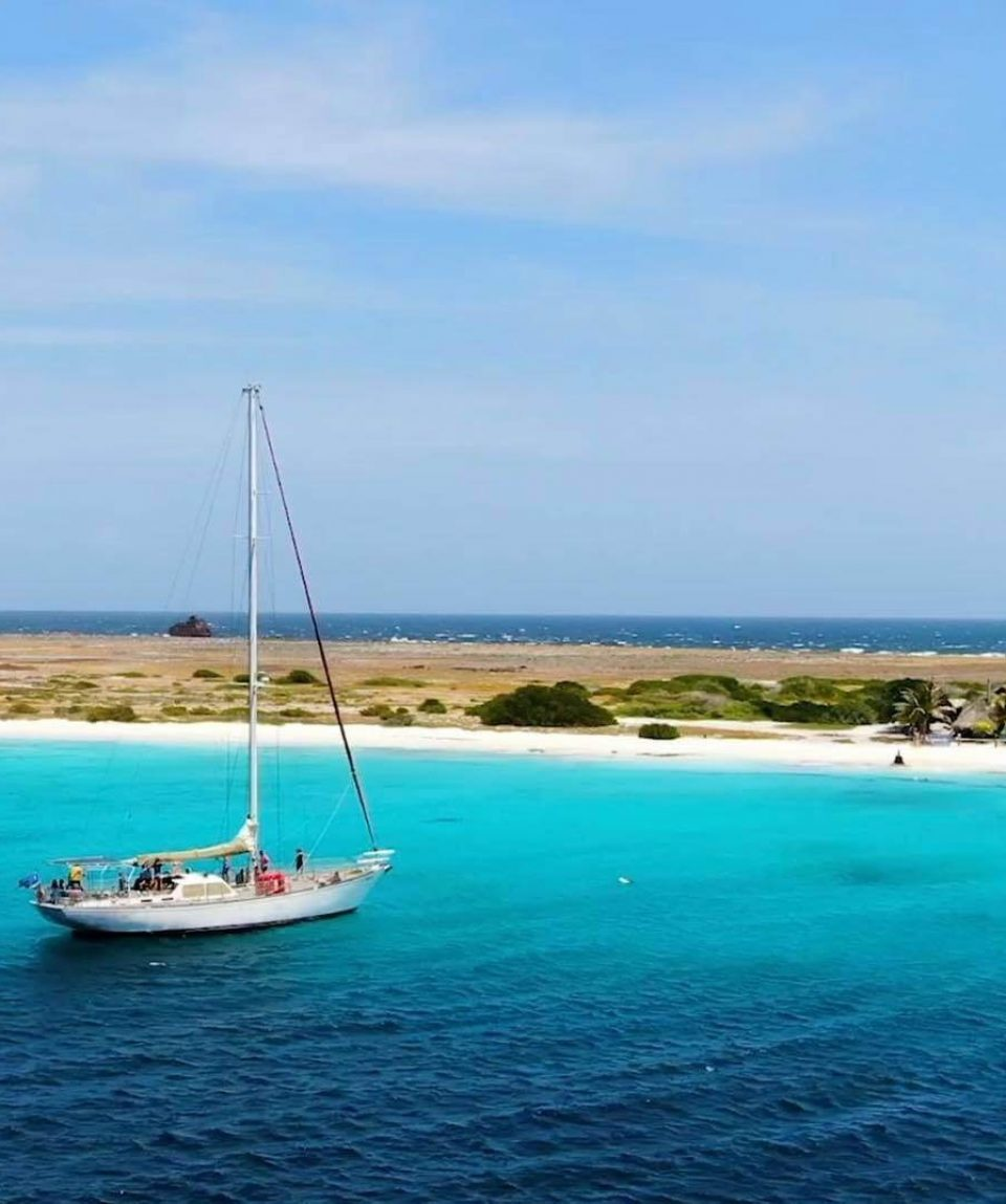 Klein-Curacao-Deals-Sailboat-at-Klein-Curacao-