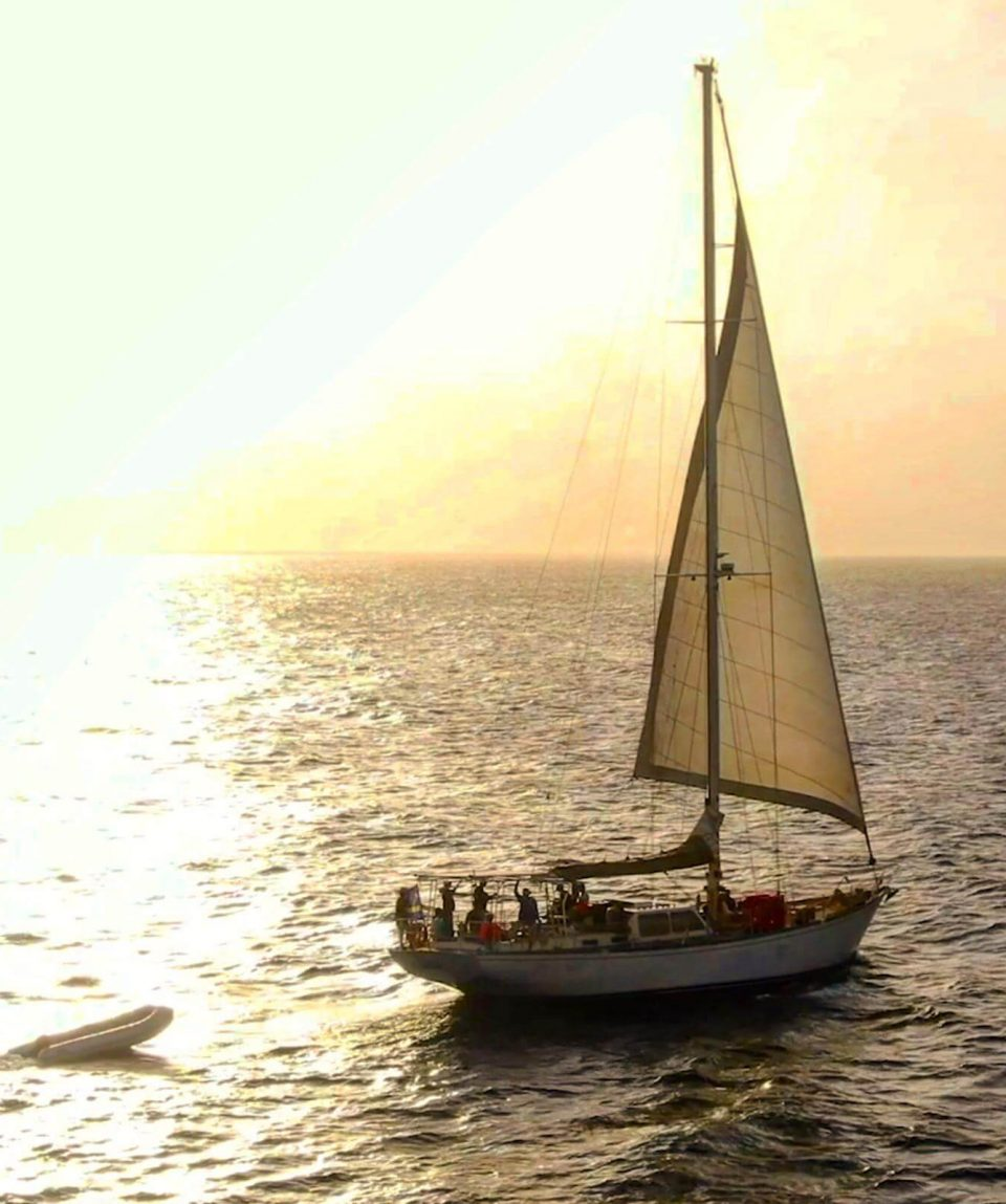 Klein-Curacao-Deals-Sailing-on-Sea