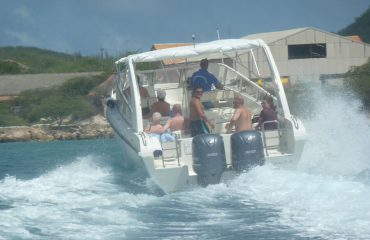 Klein-Curacao-Speadboat-adventure-cruising