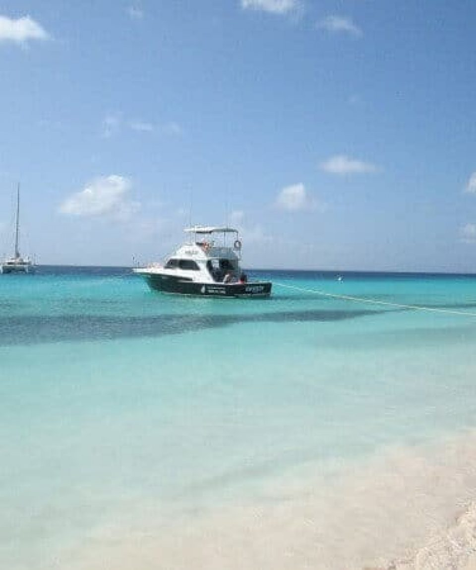 Klein-Curacao-Deals-comfortable-boat-trips-12