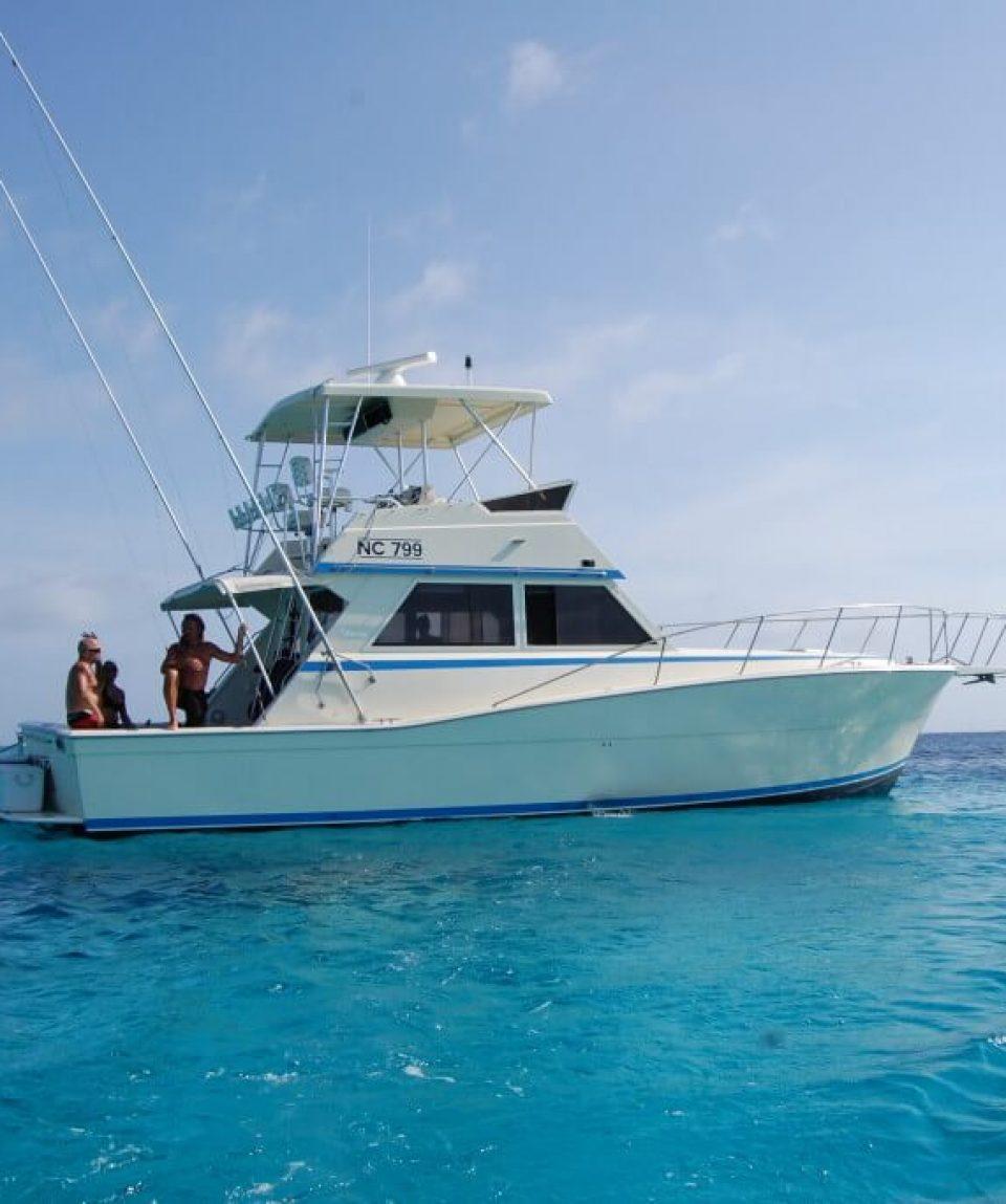 Kite-surf-boat-klein-curacao-01