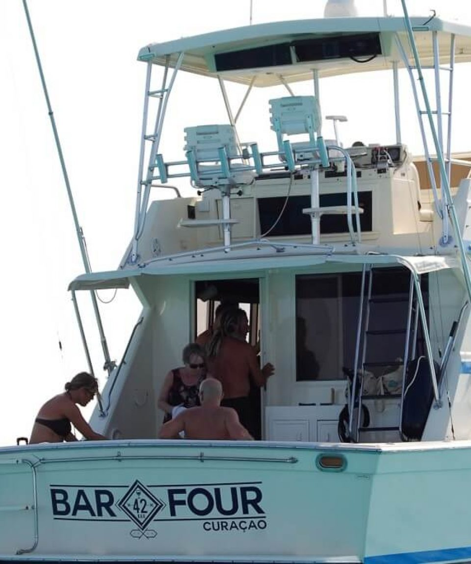 Kite-surf-boat-klein-curacao-03